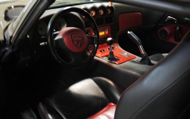 Dodge Viper6.jpg