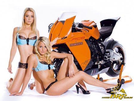 1288701379_rc8_girls3.jpg