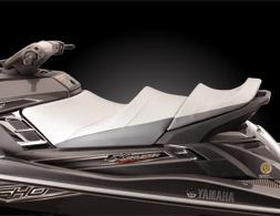 31-FX-Cruiser-SHO-Carbon-Seat-002.jpg