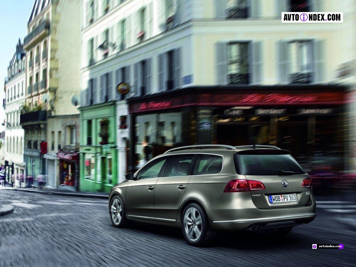 Volkswagen-Passat-Estate-2011-4925689.jpg