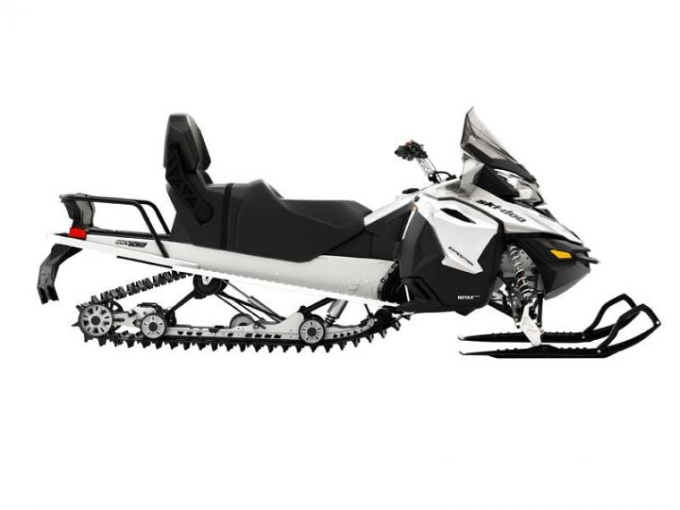 ski-doo 900.jpg