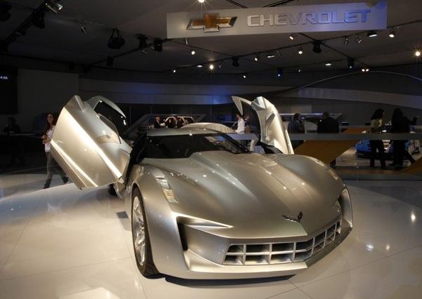 dubai_motor_show_chevrolet_corvette_stingray_concept.jpg