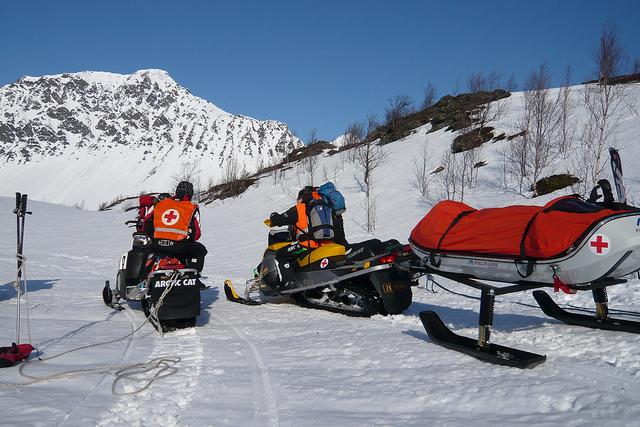 Спасатели в горах.jpg