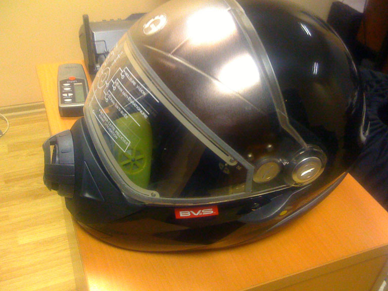 снегоходные шлема.JPG